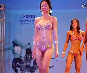 Sexy korean gal - sexy arse