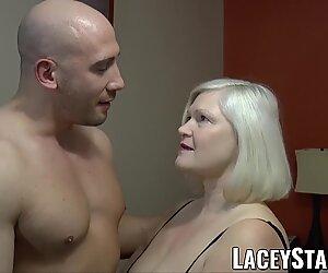 Laceystarr - Babičky svádí velké vymrdané sportovec do tvrdého člení