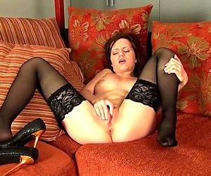 Amira masturbating for you to enjoy