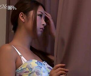 Lovely japanese babe Satomi Suzuki
