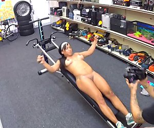 Ebony sells her gym equipment and fucked