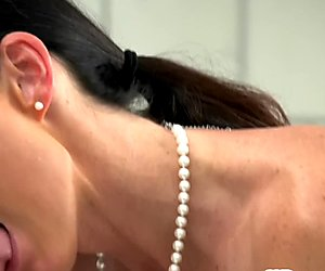 Tanlined milf babe cocksucking before fucking