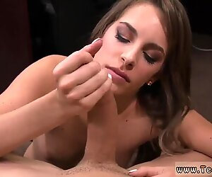 Pakistani sexy girl Card dealer cashes in that pussy!