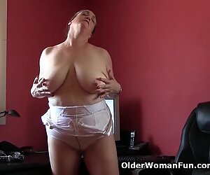 Office grannies in pantyhose need to get off