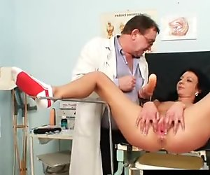 Gabina is patient during kinky gyno speculum exam