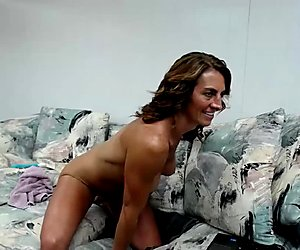Get Laid With This Gorgeus Mature On Cam