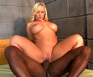Sizzling milf Austin Taylor always liked to get herself cummed after a hot fuck