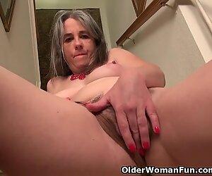 yankee milf Kelli peels off off and masturbates on the stairs