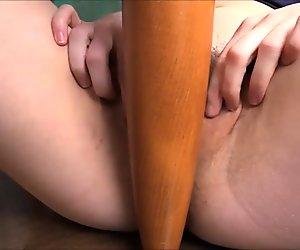 Cute Teen Babe Masturbates