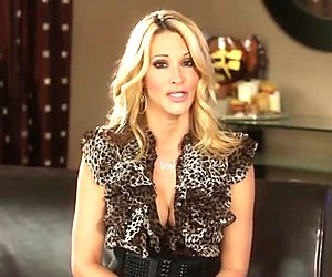 Watch Jessica Drake teaching on giving head and delivering her own studies about a great blowjob