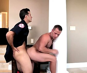 Ripped handyman assfucked by stud