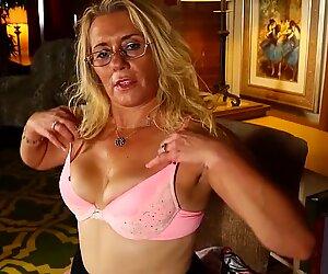 Real American housewife and mom cumming like slut