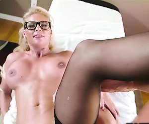 Dr Phoenix Marie sucks her Patients thick cock