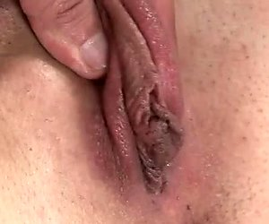 Brunette chick Felicia gives blowjob and uses dick pump to enlarge penis