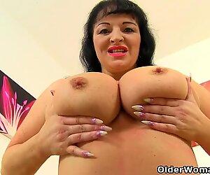 Voluptuous milf Devon Breeze lets you enjoy her pleasing curves